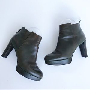 Stuart Weitzman Delphine Green Leather Ankle Boots